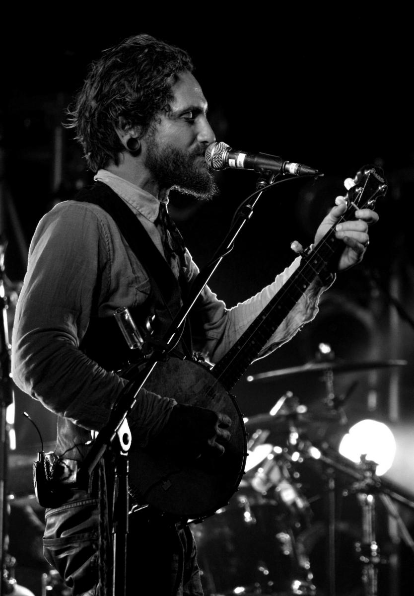 John Butler - More FM Summer Vineyard Tour - Martinborough - Feb 2012