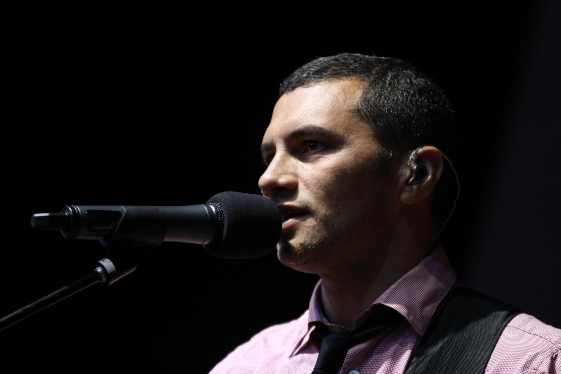 Jason Kerrison from Opshop - More FM Summer Vineyard Tour - Feb 2013