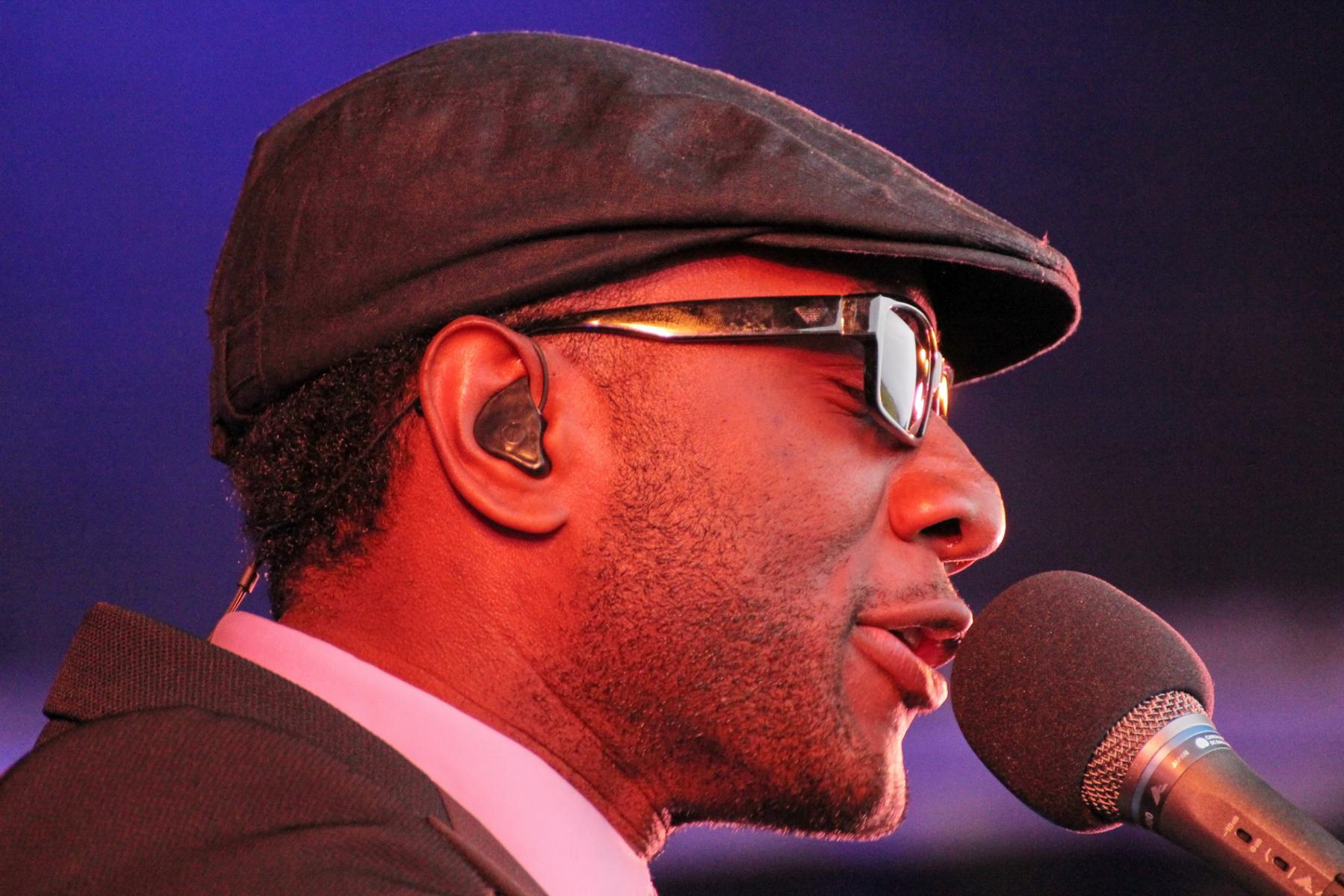Aloe Blacc - More FM Summer Vineyard Tour - Martinborough - Feb 2012