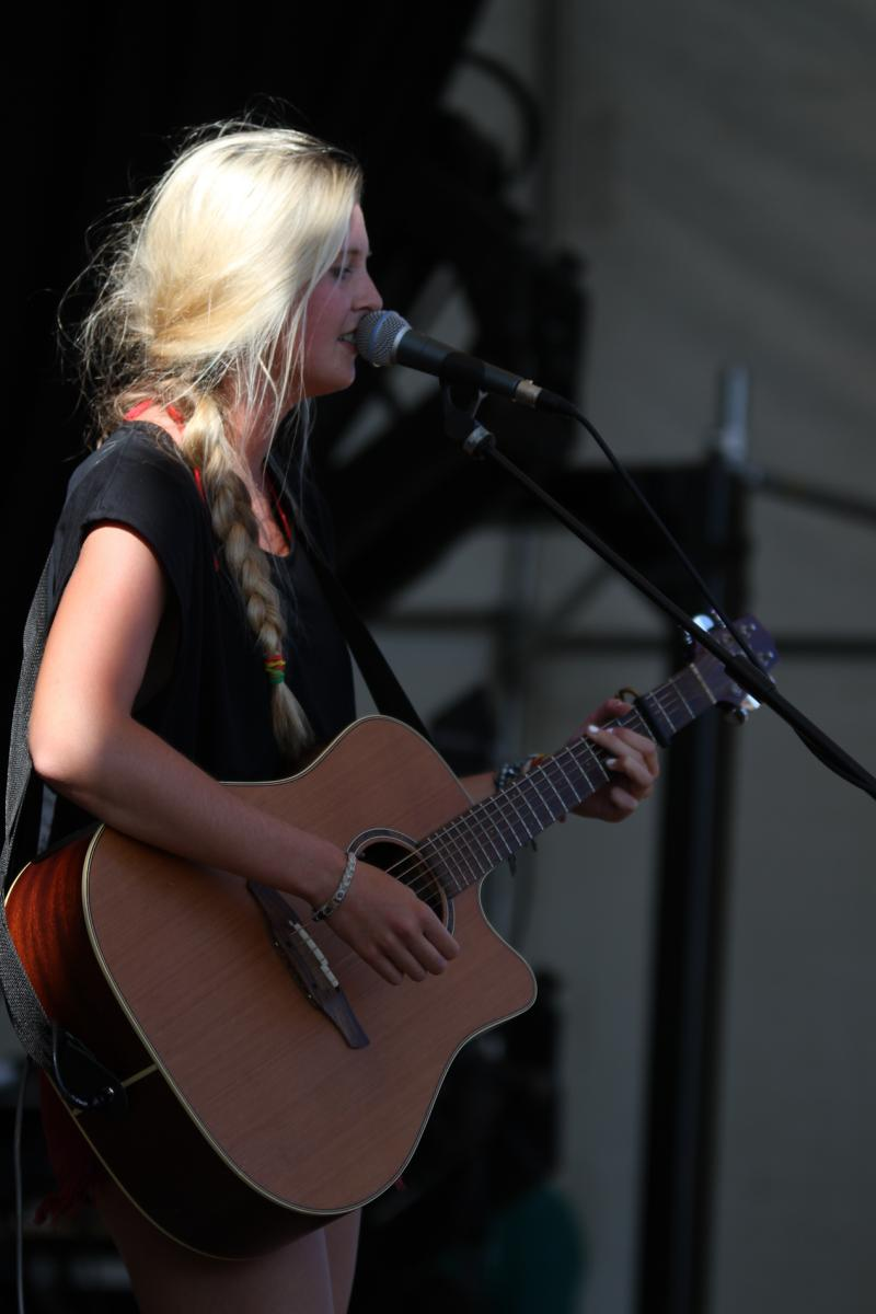 Jamie McDell - More FM Summer Vineyard Tour - Feb 2013